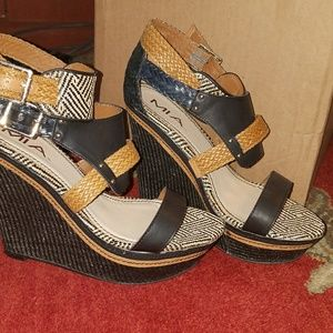 Mia ladies wedge high hill